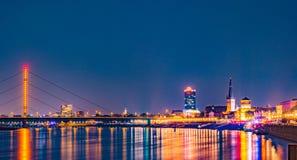 Dusseldorf, Deutschland Belichtete alte historische Gebäude nachts Lizenzfreies Stockbild