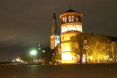 Dusseldorf Duitsland - het museum van de Navigatie - Nacht Royalty-vrije Stock Foto
