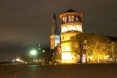 Dusseldorf Germania - museo di percorso - notte Fotografia Stock Libera da Diritti