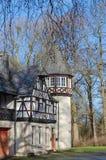 Dusseldorf, Germania - vista di vecchie case in parco Immagini Stock Libere da Diritti