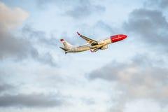 Dusseldorf Niemcy, Październik, - 05 2017: Norweskie linie lotnicze Boeing 737 zaczyna przy Dusseldorf lotniskiem Zdjęcia Stock
