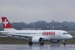 Dusseldorf nrw, Germany,/- 11 01 19: szwajcarskie linie lotnicze samolotowe przy Dusseldorf lotniskiem Germany zdjęcia stock