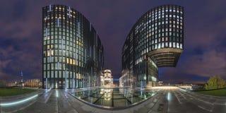 Dusseldorf på skymningen Arkivbild