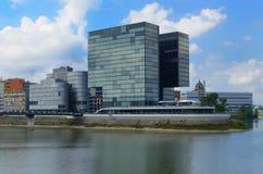 Dusseldorf panorama med floden Royaltyfri Bild