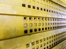 Dussin av packen boxas för packande produkt till logistiskt Arkivbild