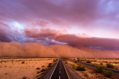 Free Dust Storm In The Desert Royalty Free Stock Photography - 172315557