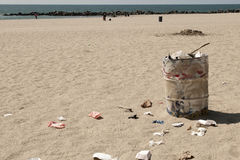 Dustbin on Venice beach, Los Angeles Stock Image