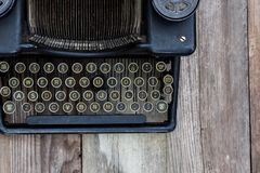 Dusty Vintage Typewriter Photographie stock libre de droits