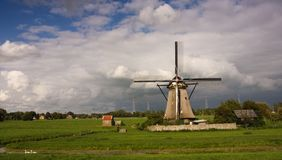 Dutch windmill in kinderdijk Royalty Free Stock Photos