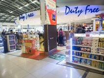 Duty free κατάστημα στον αερολιμένα Suvanaphumi Στοκ εικόνες με δικαίωμα ελεύθερης χρήσης