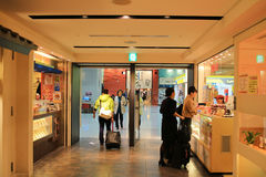 duty free να ψωνίσει του αερολιμένα Kansai Στοκ Εικόνα