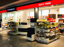 Duty free προϊόντα Στοκ φωτογραφία με δικαίωμα ελεύθερης χρήσης