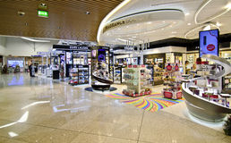 Duty-free-Shops an Eleftherios Venizelos-Flughafen in Athen Griechenland Lizenzfreie Stockbilder