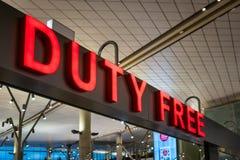 Dutyfreeshop-Zeichen innerhalb eines internationalen Flughafens Stockfotografie