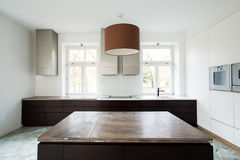 Duur binnenland van moderne keuken royalty-vrije stock foto