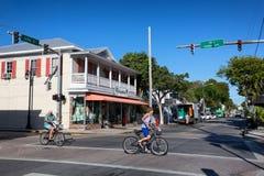 Duval gata i i stadens centrum Key West Royaltyfri Foto