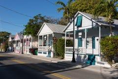 Duval gata i i stadens centrum Key West Arkivbilder
