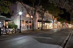 Duval gata på natten, Key West, FL Royaltyfri Foto