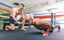 Duw UPS opleiding op de ring Royalty-vrije Stock Afbeeldingen