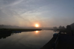 Duxburybaai bij Zonsopgang op een Mistige Ochtend Royalty-vrije Stock Foto