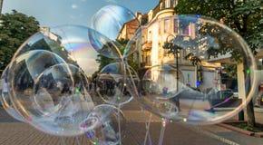 Duzi bąble, Sofia, Bułgaria, sprzedający w ulicie, centrum miasta obraz royalty free
