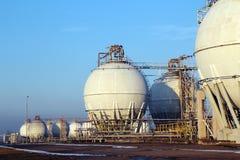 Duzi bielu depozytu zbiorniki dla ropy naftowej Fotografia Royalty Free