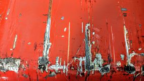 Duzi narysy na metalu malującym w czerwieni obrazy royalty free