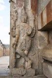 Dvarapala en la derecha en la puerta de la entrada al templo de Gomateshwara, colina de Vindhyagiri, Shravanbelgola, Karnataka fotos de archivo libres de regalías
