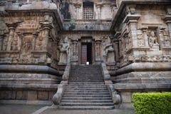 Dvarpalas ou guardiães na entrada do santuário principal, Gangaikonda Cholapuram, Thanjavur, Tamil Nadu Fotografia de Stock