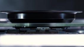 DVD驱动,宏观射击激光领袖红色光芒  影视素材