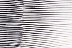 DVD ou CD dans les enveloppes Image stock