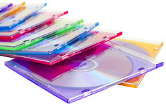 DVDs coloré dans des cadres empilés dans un segment de mémoire Image libre de droits