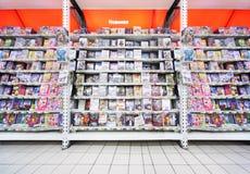 dvdsinsidan shoppar Arkivfoton