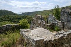 Dvigrad medeltida stad i centrala Istria, Kroatien Arkivbild