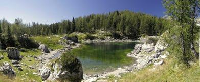 Dvojno Jezero i dalen av sju Triglav lakes Royaltyfria Foton