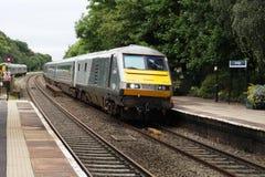 DVT dirige o trem de passageiros através da estação de Dorridge Fotografia de Stock Royalty Free
