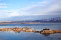 Dwójniak Gobi i jeziora pustyni scena w Neveda Zdjęcie Stock