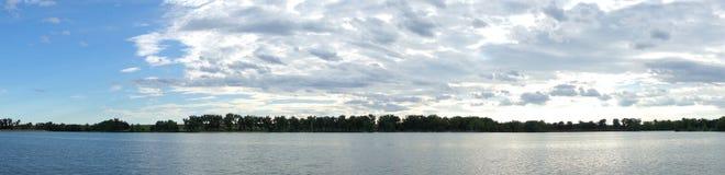 Dwójniak jeziora panorama obrazy stock