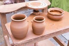 Dwa świeżo robić glinianej wazy Zdjęcie Stock