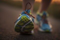 Dwa ładnej dziewczyny jogging w ranku Zdjęcia Stock