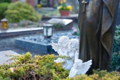 Dwa anioła na grób Obraz Stock