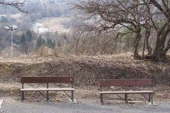Dwa ławka przedtem miasteczko Zdjęcie Royalty Free