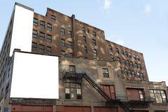 Dwa białego dużego billboardu i pożarniczych kroki Zdjęcie Stock