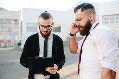 Dwa biznesmen przy pracą Zdjęcia Stock
