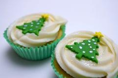 Dwa boże narodzenie filiżanki torta Zdjęcia Stock