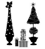 Dwa Bożenarodzeniowego Topiary drzewa Z prezentami ilustracji