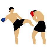 Dwa boksera walczy z wysokim kopnięciem Zdjęcie Stock