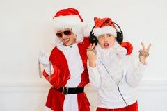 Dwa chłopiec udaje jest Zły Santa Zdjęcia Royalty Free
