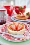 Cheesecake z świeżymi truskawkami obraz royalty free