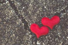 Dwa czerwony serce, valentines dnia pocztówka, kochają was, Ja kochają was Obraz Royalty Free